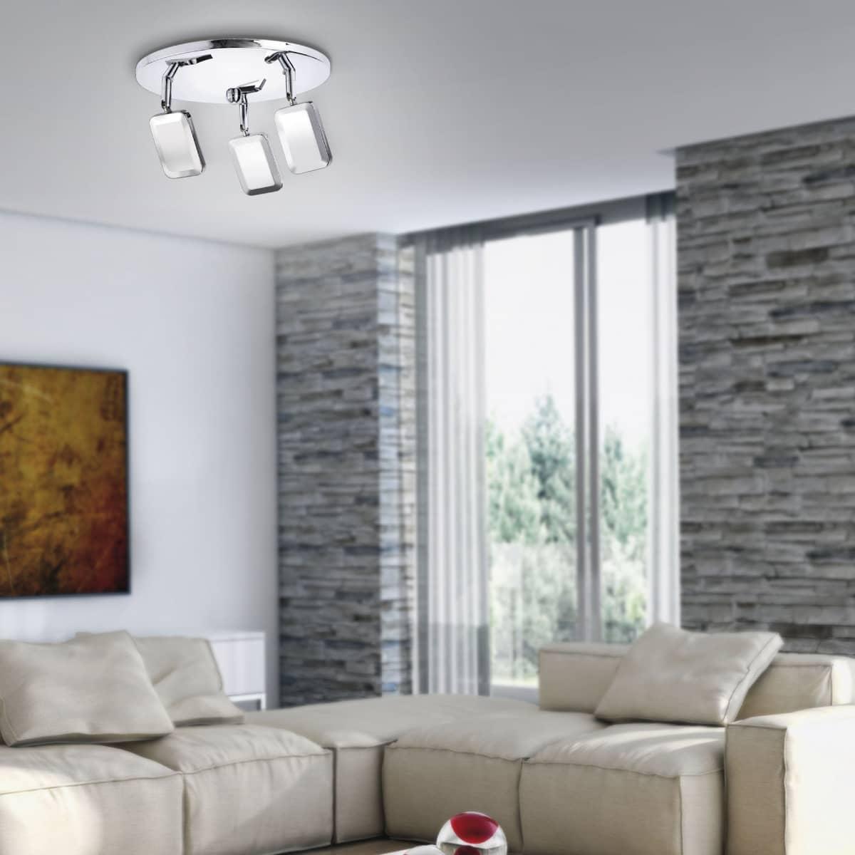 LED-Deckenleuchte in Chrom mit 3 verstellbaren Leuchtköpfen und warmweißer Lichtfarbe ist energiesparend