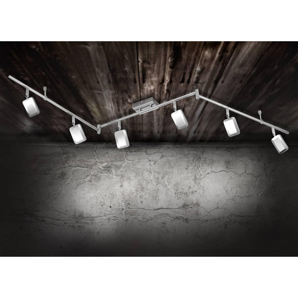 LED-Deckenleuchte in Chrom mit 6 verstellbaren Leuchtköpfen und warmweißer Lichtfarbe ist energiesparend