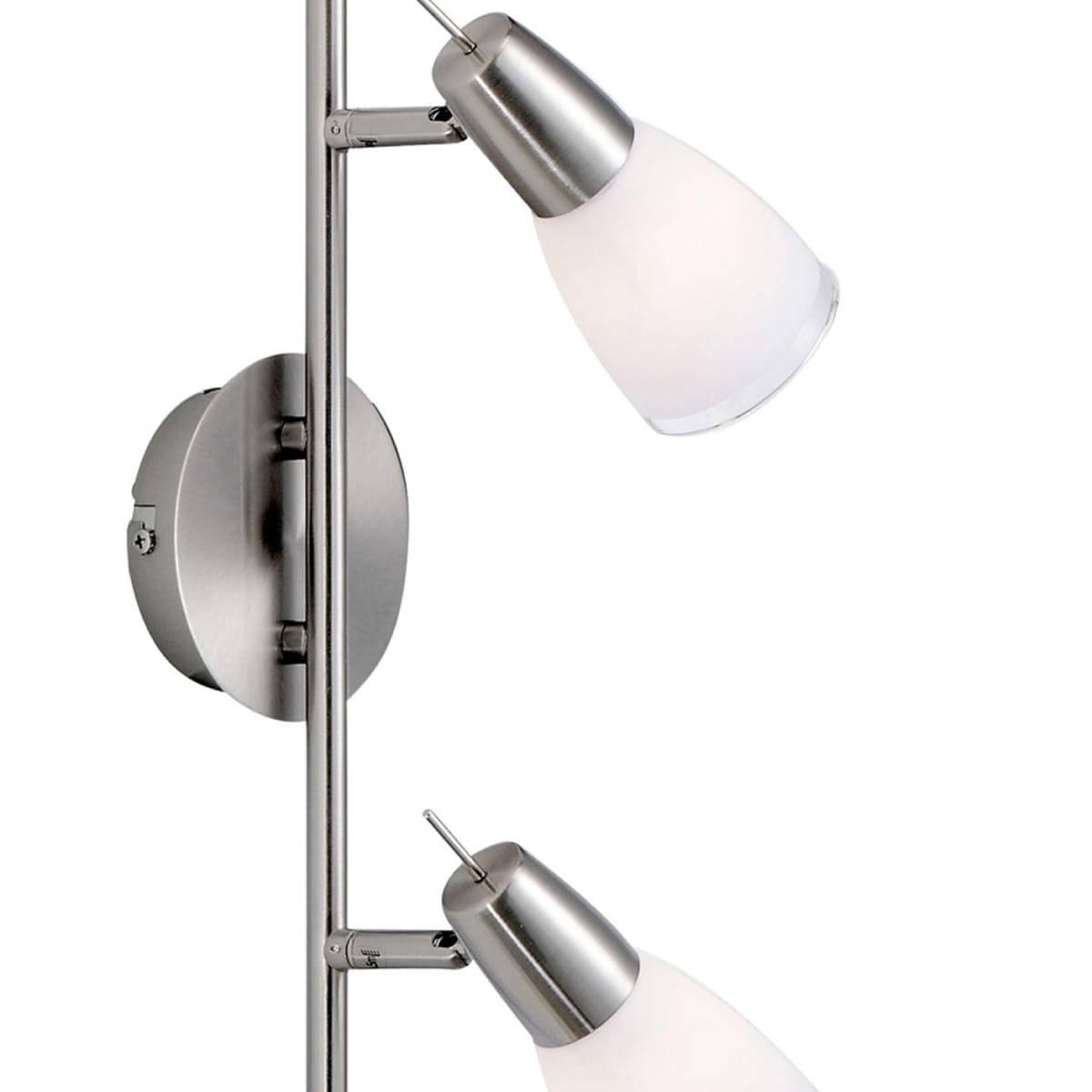 Deckenleuchte in Stahl mit 4 verstellbaren Leuchtköpfen und warmweißer Lichtfarbe strahlt blendfrei