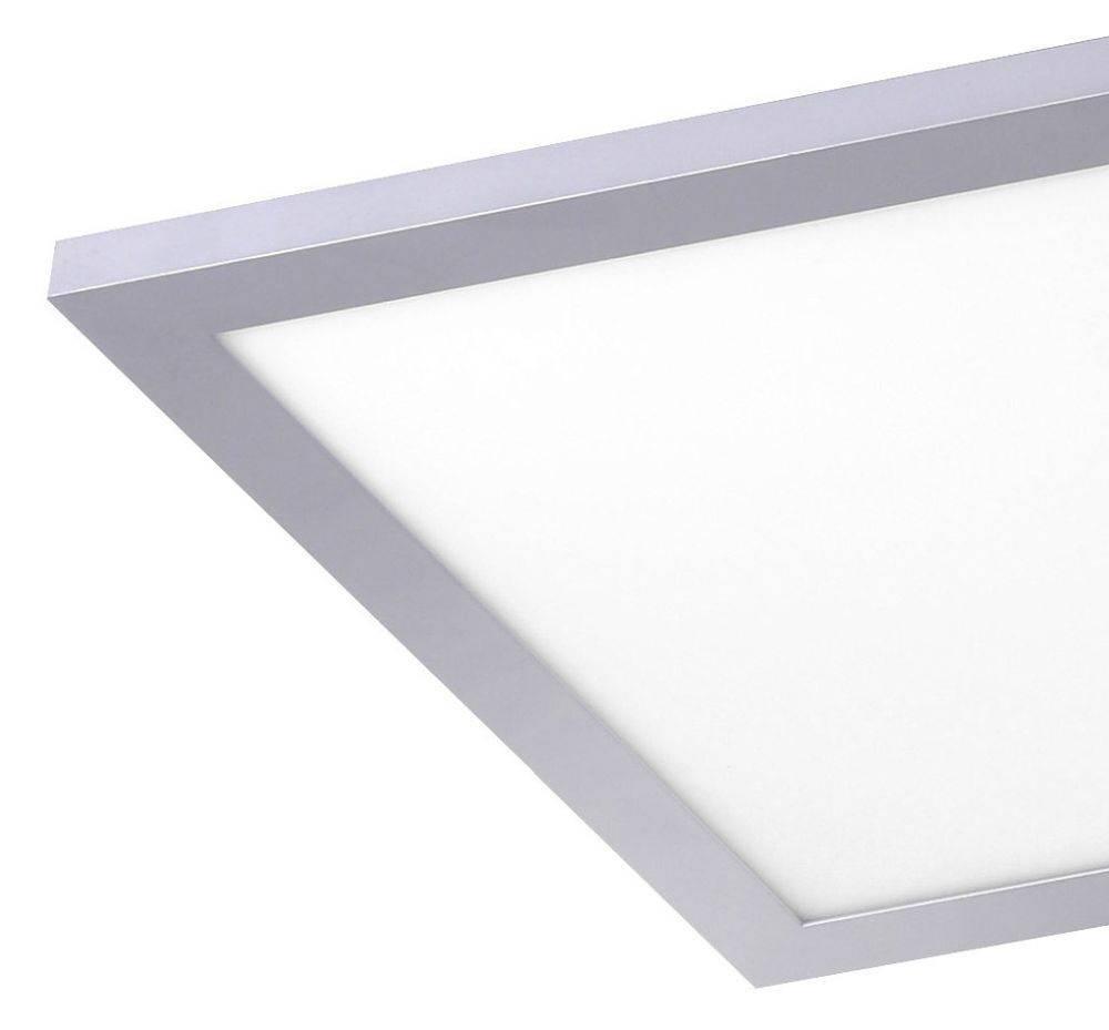 LED-Panel in silber und quadratisch mit warmweißer Lichtfarbe ist energiesparend und strahlt blendfrei