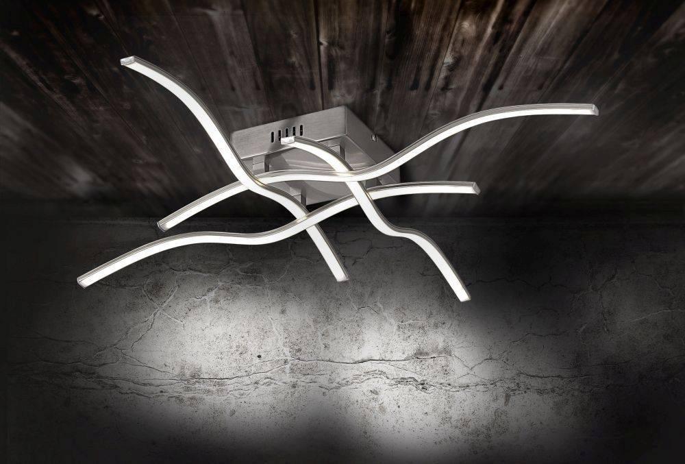 LED-Deckenleuchte in Stahl mit 4 Leuchtarmen in geschwungener Rautenform mit warmweißer Lichtfarbe