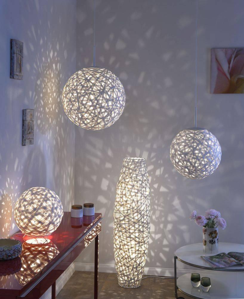 Tischleuchte in weiß und Kugelform aus Bändern für E14 Leuchtmittel bis 40 Watt inkl. Schnurschalter