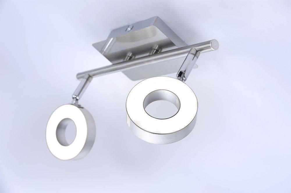 LED-Deckenleuchte mit 2 Leuchtköpfen und warmweißer Lichtfarbe strahlt beidseitig