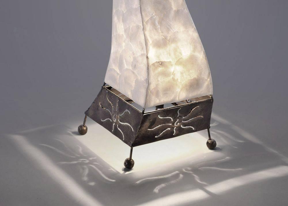 Tischleuchte im Afrika-Stil für E27 Leuchtmittel inkl. Schnurschalter für verschiedene Leuchtmittel
