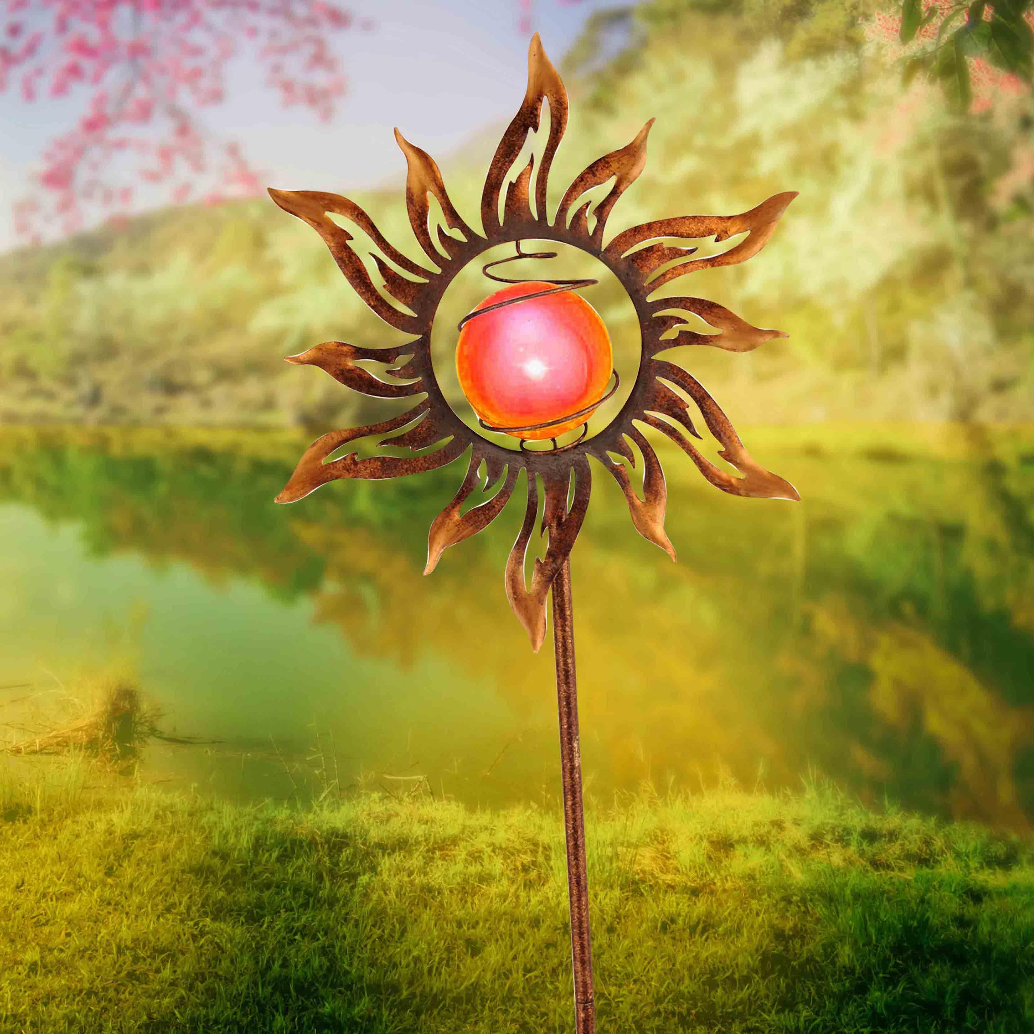 Solarleuchte, rostfarben, Sonnen-Motiv, Erdspieß, spritzwassergeschützt