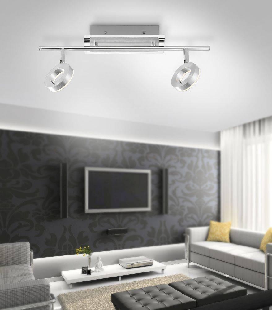 LED-Deckenstrahler in Aluminium mit 2 Leuchtköpfen und warmweißer Lichtfarbe ist spritzwassergeschützt