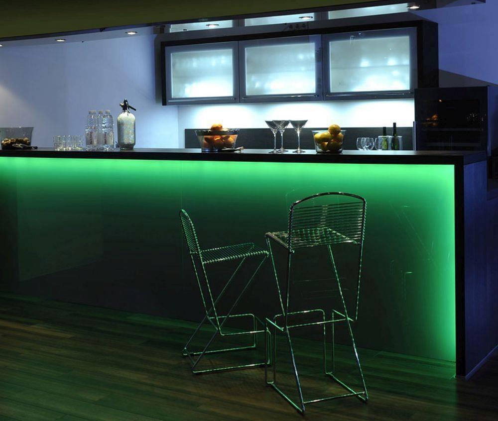 LED-Stripes, 3m, Fernbedienung, RGB Farbwechsel, inkl. Schnurschalter