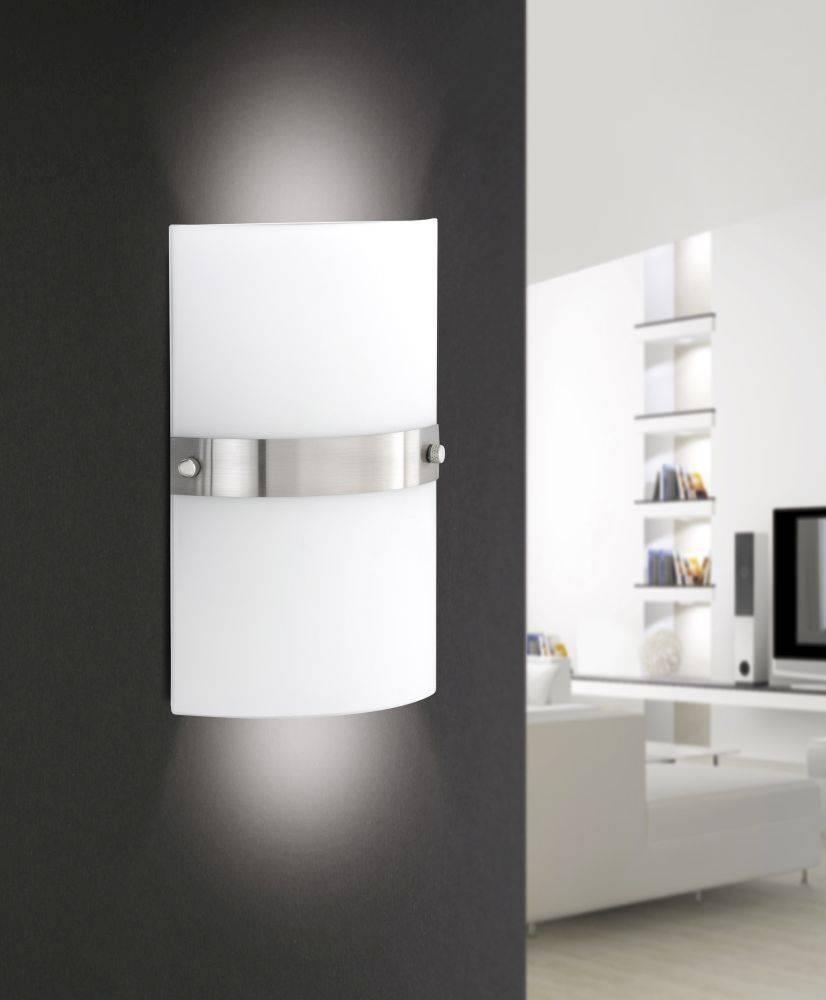 Wandleuchte in Stahl und weißem Opalglas für E14 Leuchtmittel bis 40 Watt strahlt blendfrei