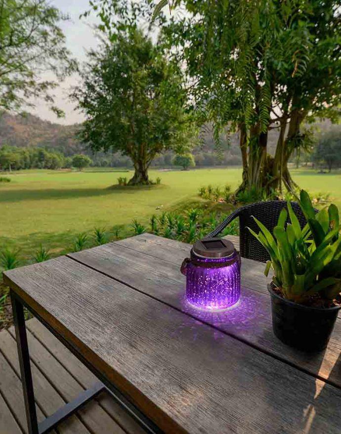 LED-Solarlicht, purpur-violett, kaltweiss, 8h Betriebsdauer