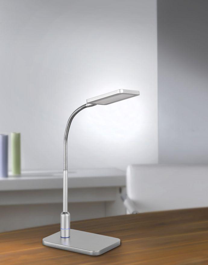 LED-Tischleuchte mit Leuchtkopf und warmweißer Lichtfarbe