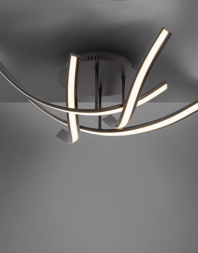 LED-Deckenleuchte, 4 geschwungene Leuchtarme, warmweiß, inkl. Dimmfunktion