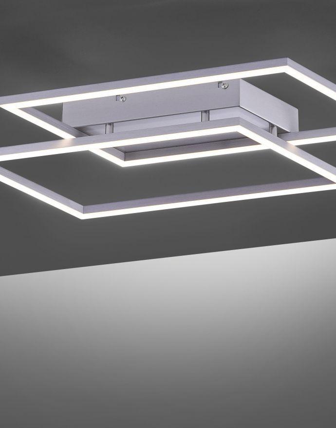 LED Deckenleuchte, futuristsiches Design, stahlfarben, flach,