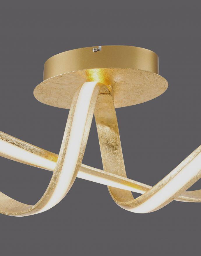 LED Deckenleuchte, goldfarben, elegant, geschwungener Leuchtkörper, modern