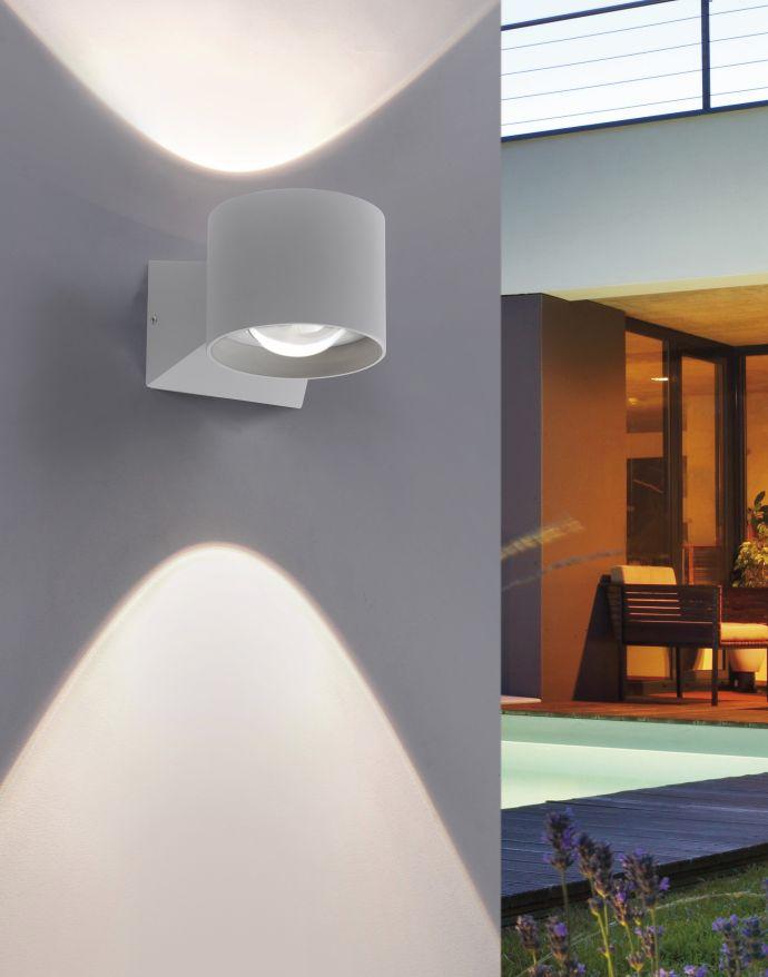 LED Wandleuchte, silberfarben, schlichtes Design, Schutzart IP54, warmweiß